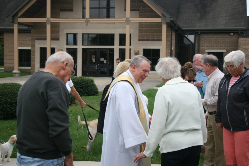 24_Blessing-of-the-Pets-St.-Lukes-R.C.C-10-06-2019-033