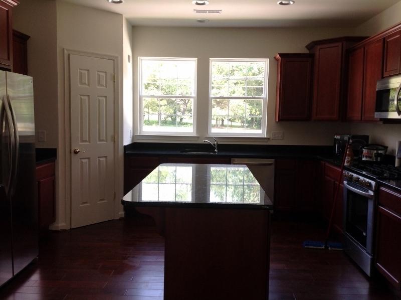 Kitchen (800x598)
